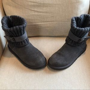 Ugg Cambridge grey boots - size 8 w/ knit collar